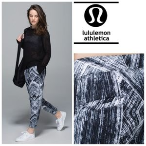 Lululemon Jet Crop Pant Full-On Luon Size 10